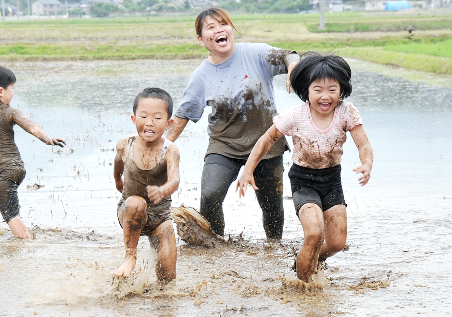 泥んこ遊びへ行ってきました!【5歳児らいおん組】 - 白川グループ ...